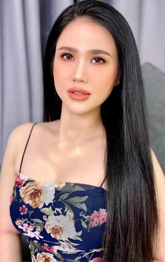 Ngọc Trinh, chị gái Ngọc Trinh, sao Việt