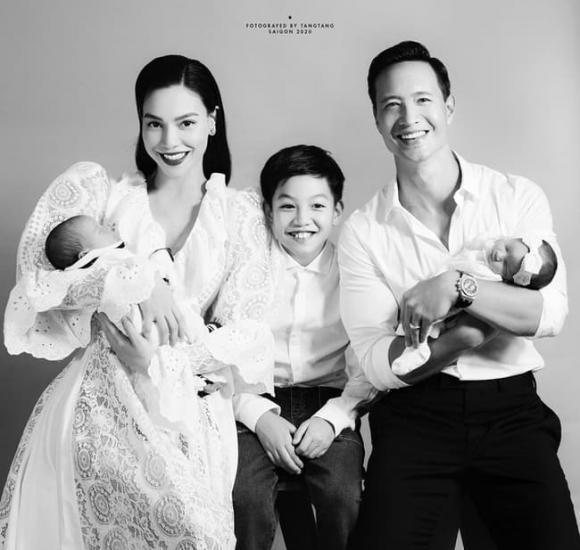 Hồ Ngọc Hà, Kim Lý, đầy tháng con, sinh đôi,