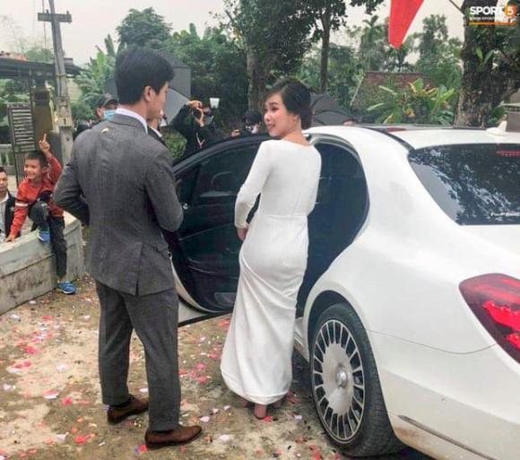 Công Phượng, đám cưới Công Phượng, Công Phượng mặc vest