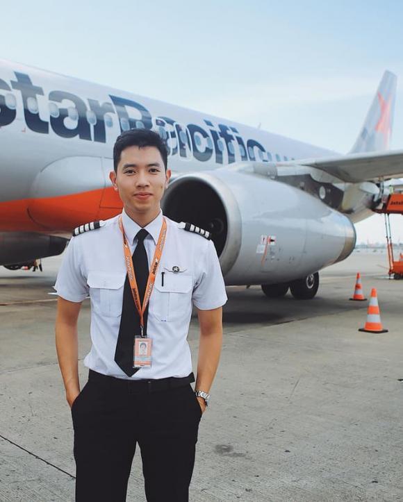 cơ trưởng Quang Đạt, Hà Trúc, thanh niên