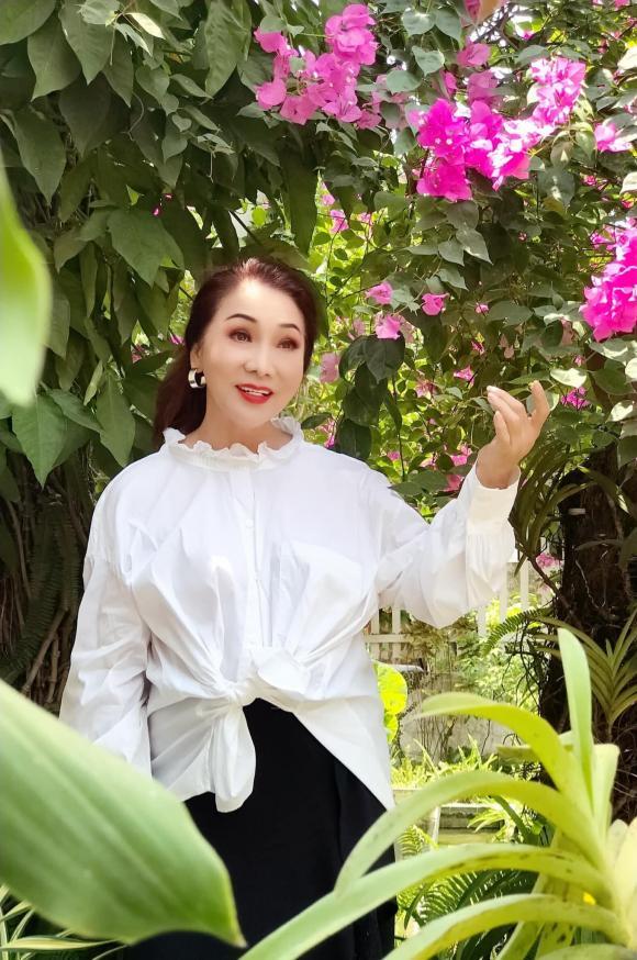 NSND Bạch Tuyết, biệt thự của NSND Bạch Tuyết, biệt thự của sao, sao Việt