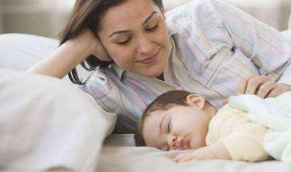 chăm sóc trẻ nhỏ, lưu ý khi chăm sóc trẻ, chăm sóc trẻ đúng cách