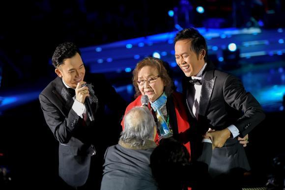 Dương Triệu Vũ, bố mẹ Hoài Linh, Hoài Linh, sao Việt