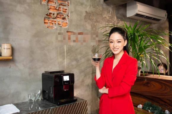 Trương Hồ Phương Nga khoe nhan sắc rực rỡ đón sinh nhật tuổi 33 với vị trí CEO