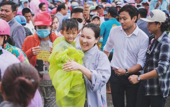 Quý Bình, Ngọc Tiền, vợ doanh nhân, bà xã, anti-fan