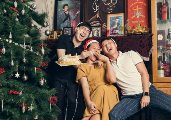 Đấu trường ngôi sao, Quang Hà, Kiwi Ngô Mai Trang, tiệc giáng sinh, mừng noel, ca sĩ Quang Hà