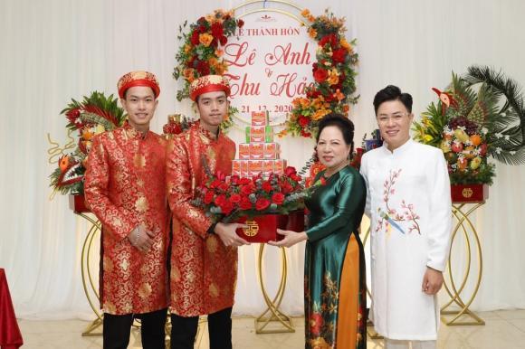 Hé lộ hình ảnh đẹp trong đám cưới và lý do MC Lê Anh không mời sao Việt cùng bạn bè đến dự