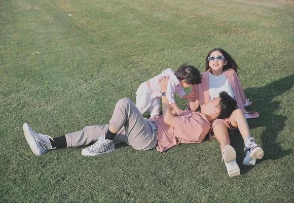 Trang Lou, em gái Huyme, thanh niên