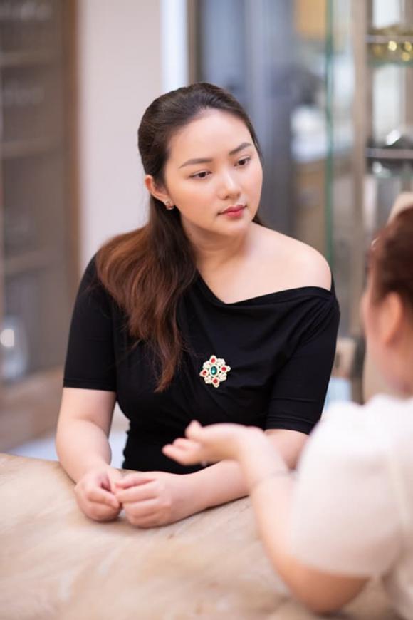 Phan Như Thảo: 'Chồng tôi thích vợ đẹp và vấn đề là anh ấy vẫn thấy tôi đẹp'