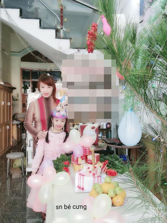 cô dâu 62 tuổi, Thu Sao và Hoa Cương, cặp đôi lệch tuổi
