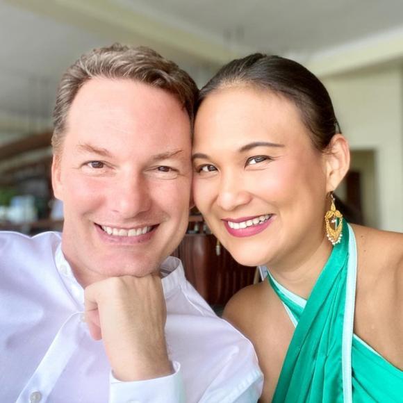 Kevin Gilmore, chồng cũ của Diva Hồng Nhung, Thiri Thant Mon
