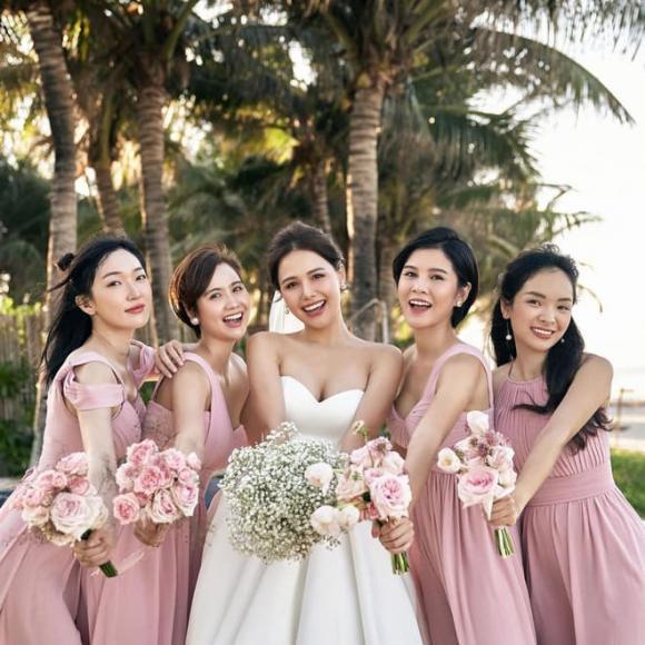 Hội bạn Phanh Lee, Thu Hoài tụ họp đầu năm mới, dân tình xuýt xoa vì xinh sang hết phần thiên hạ