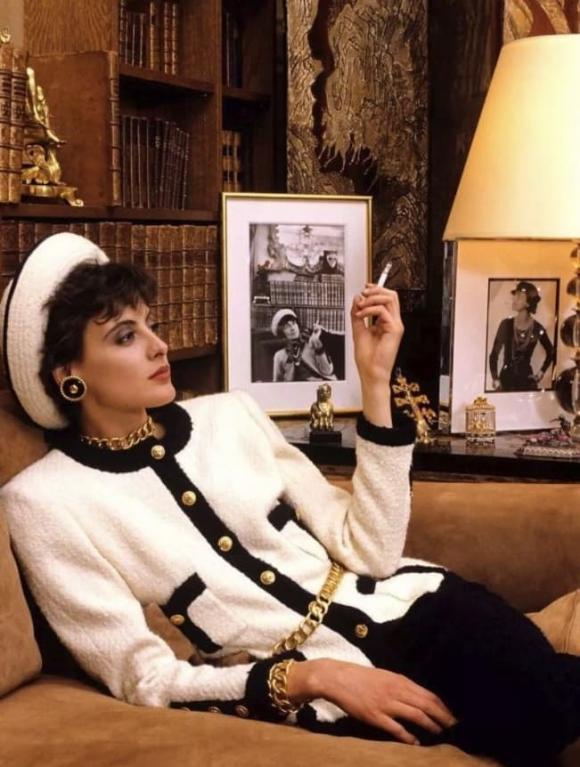 Inès de la Fressange, người mẫu Inès de la Fressange, người mẫu độc quyền của Chanel