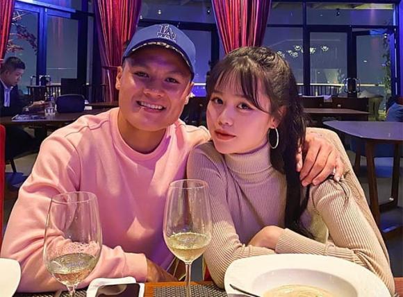 Huỳnh Anh, bạn gái cũ Quang Hải, thanh niên