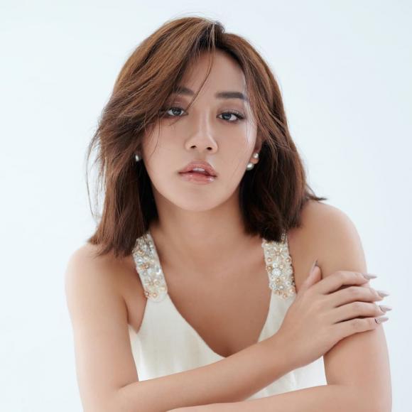 Văn Mai Hương, nữ ca sĩ,