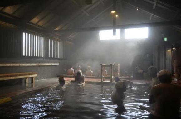 tắm suối nước nóng nhật bản, chuyện lạ, nhà tắm onsen kỳ lạ nhất