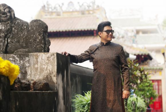 NTK Liên Hương, Lê Dũng, áo dài