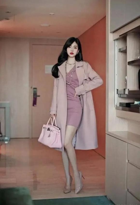 thời trang đẹp, cách mặc đồ cho phụ nữ trung niên, màu sắc hợp với phụ nữ trung niên
