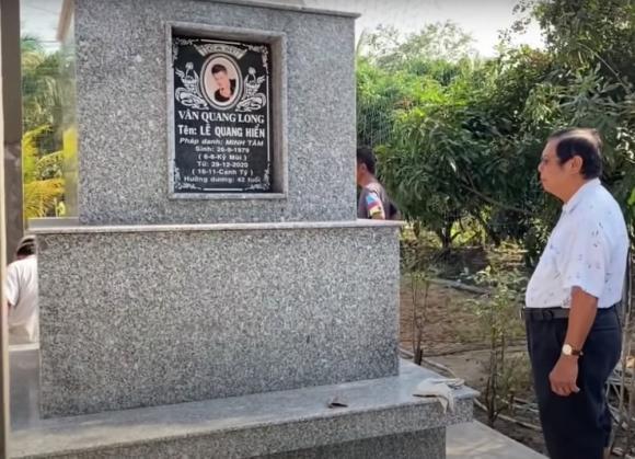 Vân Quang Long, nam ca sĩ, qua đời, phần mộ,