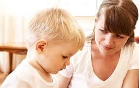 chăm sóc trẻ nhỏ, chăm con, làm gì khi trẻ mắc lỗi