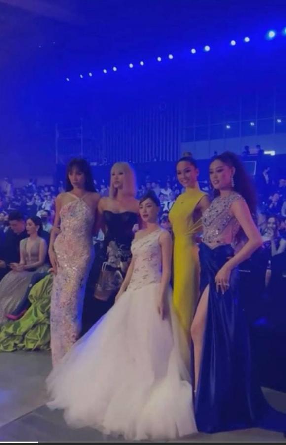Hoa hậu, Hoàng Thùy, H'Hen Niê, Hòa Minzy, Võ Hoàng Yến, Khánh Vân