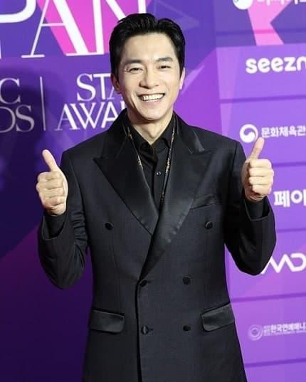 hyun bin, son ye jin, thảm đỏ, sao hàn