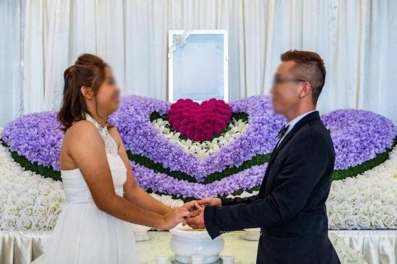ảnh cưới độc lạ, ảnh cưới chụp bên quan tài, ảnh cưới