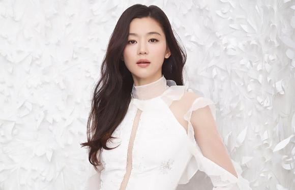 Suzy, Son Ye Jin, Jun Ji Hyun, Song Hye Kyo, tình đầu quốc dân, sao Hàn