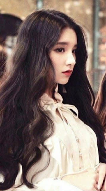 Sana (Twice), Yoona, sao Hàn
