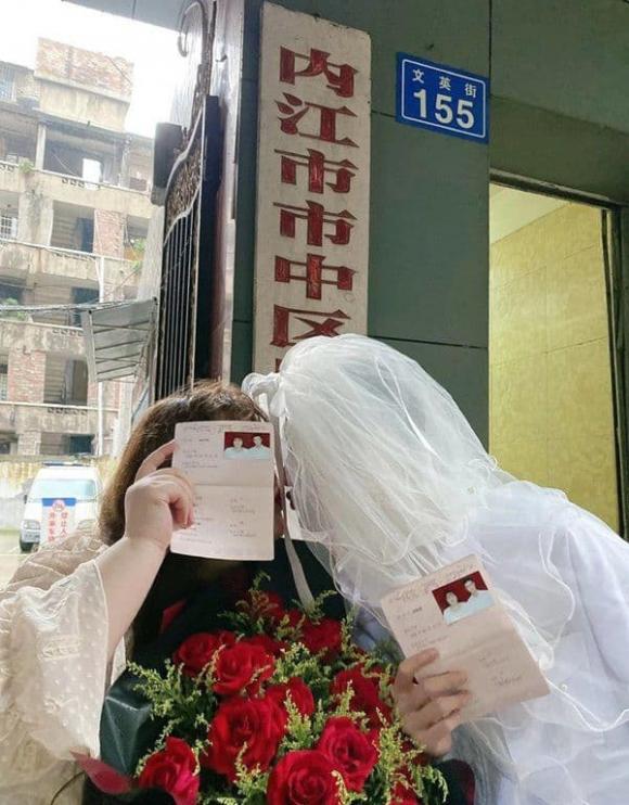 Cặp đôi đũa lệch kết hôn, giới trẻ, blogger