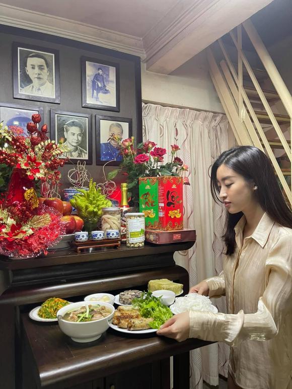 cúng tất niên, mâm cỗ cúng tất niên, sao Việt, Lam Trường, Ngô Mai Trang