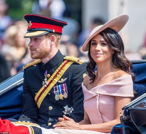 meghan markle, hoàng tử harry, nữ hoàng anh, hoàng gia anh