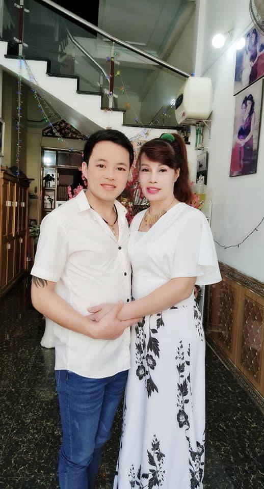 Cô dâu 62 tuổi, Thu Sao Hoa Cương, cặp đôi lệch tuổi