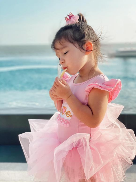 Hà Anh, con gái Hà Anh, sao du lịch
