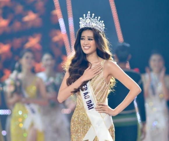 Hoa hậu Khánh Vân bị 'ném đá' dữ dội vì hành động nói tiếng Việt trong clip của Miss Universe