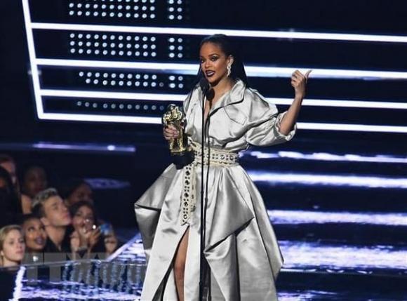 Rihanna, ngôi sao nhạc pop giàu có nhất, sao hollywood