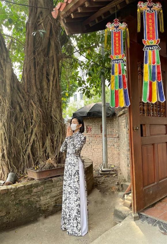 Lệ Quyên, có bầu, sao Việt