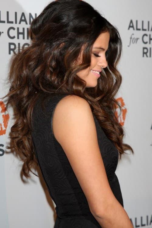 Selena Gomez, tóc dày, mẫu tóc đẹp và sang