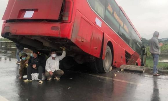 tai nạn, tai nạn giao thông, xe khách, đàn ông