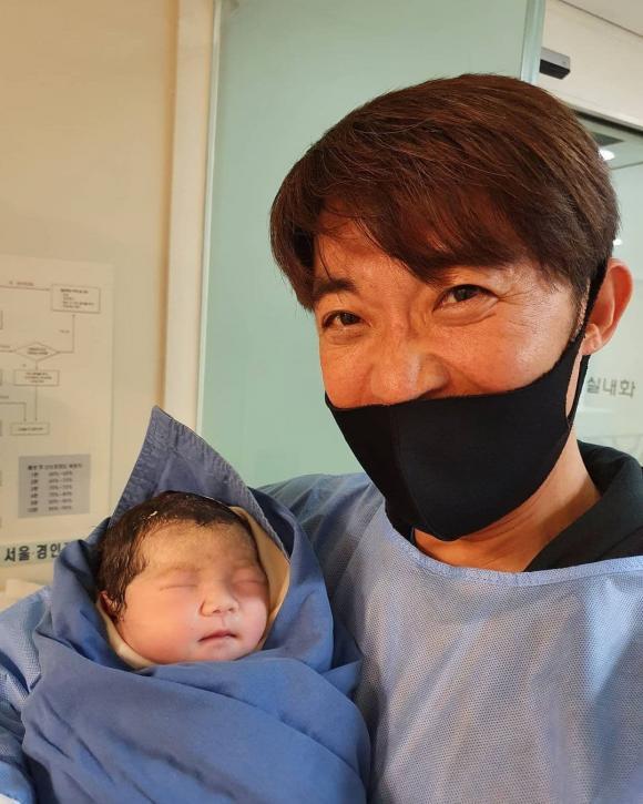 ahn jae wook, lên chức bố lần hai, sao hàn, ước mơ vươn tới một ngôi sao
