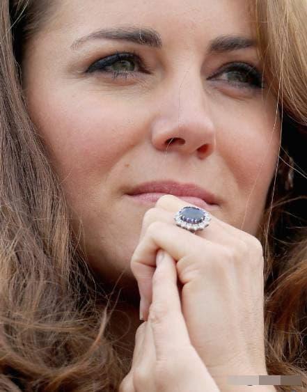 Công nương Kate, hoàng gia anh, chiếc nhẫn đính hôn của công nương kate