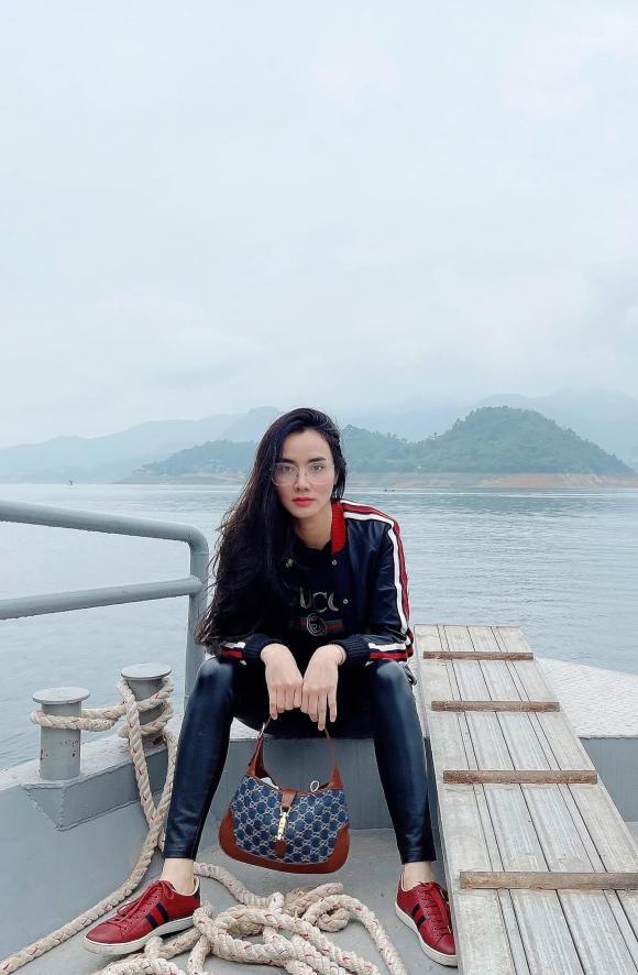 Người mẫu Trang Nhung, đạo diễn Hoàng Duy, sao việt, lễ chùa