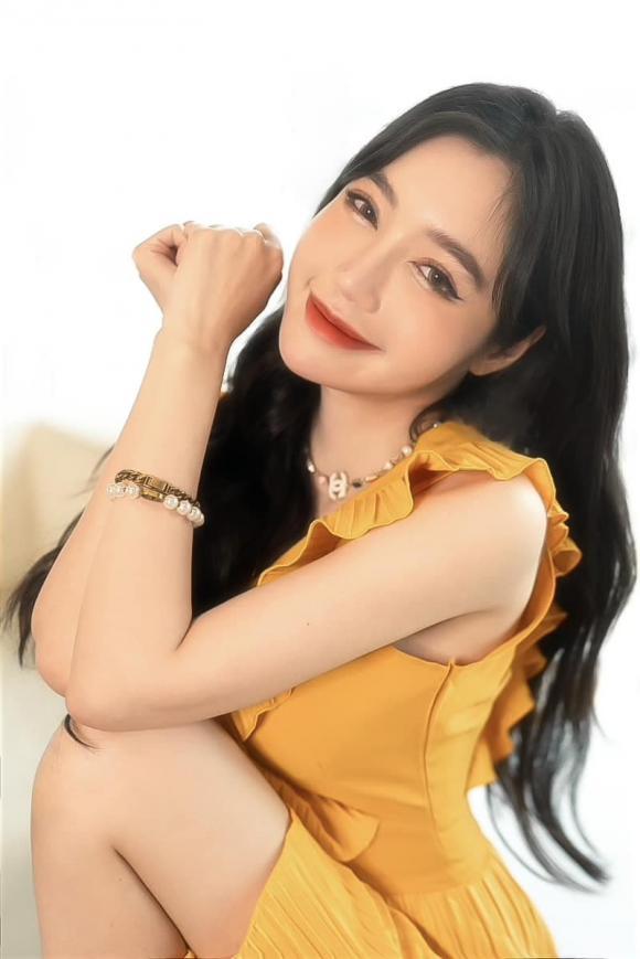 Elly Trần, màu tóc bạch kim, sao Việt