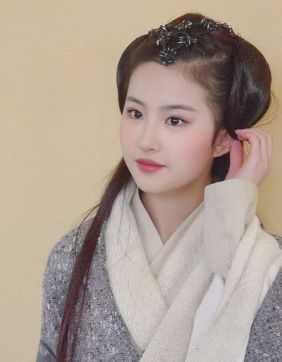 Lưu Diệc Phi, Chân Hoàn Truyện, tạo hình thời nhà Thanh, phim cổ trang cung đấu Hoa Ngữ, Cbiz