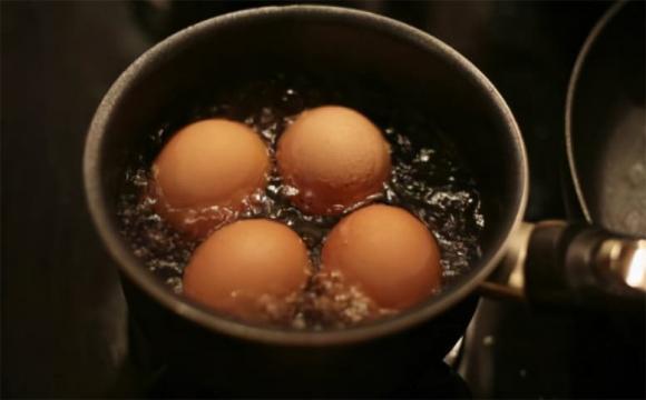 luộc trứng, món trứng, dạy nấu ăn, mẹo nấu ăn