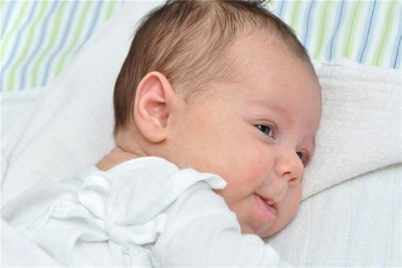 trẻ sơ sinh, chăm trẻ,