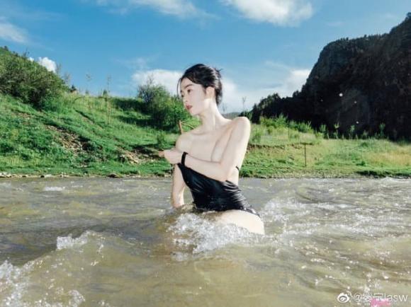 gái sinh, nữ thần tắm suối, Trung Quốc, Ying Ning