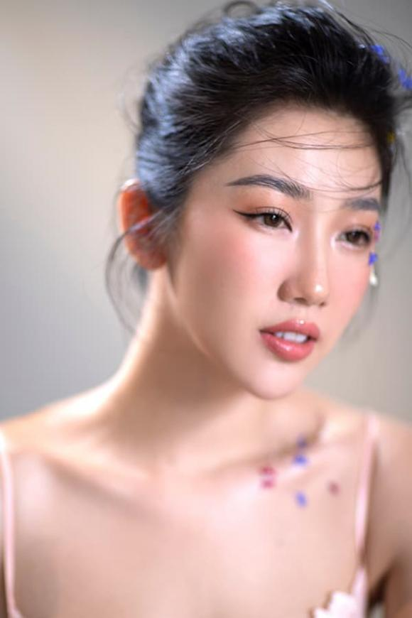 diễn viên Thuý Ngân, sao Việt
