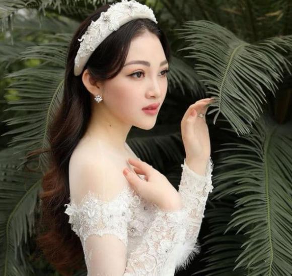 Cô dâu đeo vàng trĩu cổ ở Nam Định, Thu Hương, thanh niên