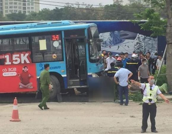 xe buýt, tai nạn giao thông, xe buýt tông chết người đi bộ